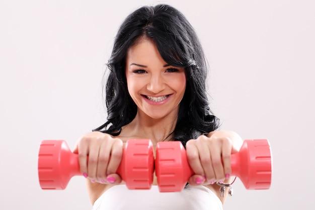Portret van een vrouw die sport doet