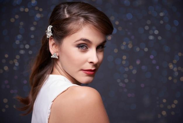 Portret van een zeer elegante vrouw