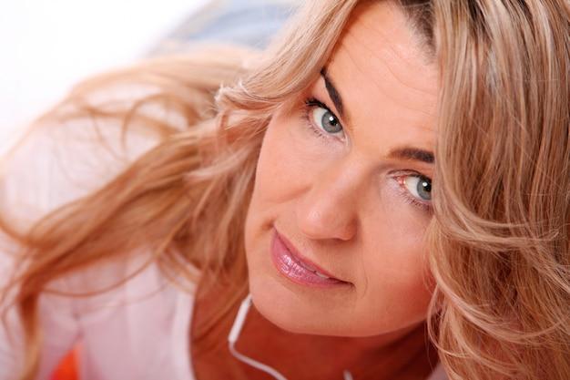 Portret van gelukkig leeftijd vrouw