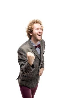 Portret van gelukkige glimlachende zakenman in jasje en vlinderdas met omhoog hand. isoleren