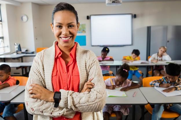 Portret van glimlachende leraar