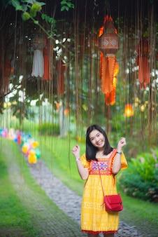 Portret van het meisje van azië in thailand