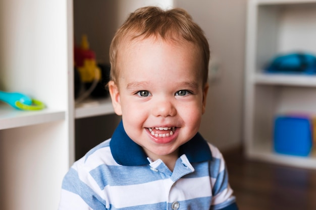 Portret van het mooie concept van de babyjongen