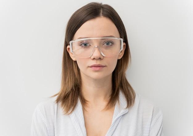 Portret van jonge vrouwenwetenschapper