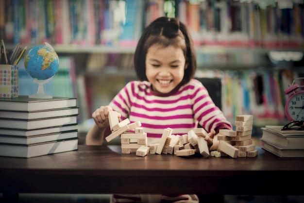 Portret van kind schattig aziatisch meisje