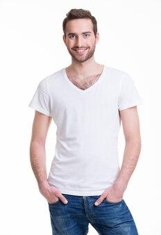Portret van lachende gelukkig man in casuals - geïsoleerd op wit