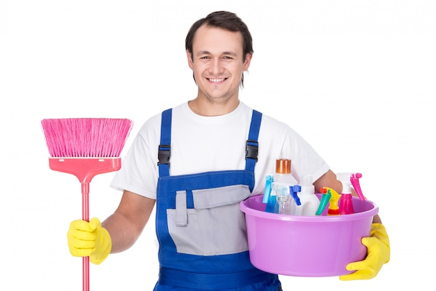 Portret van man met reinigingsapparatuur.