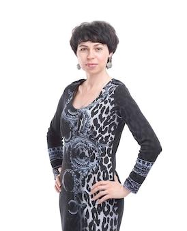 Portret van moderne bedrijfsvrouw die op witte achtergrond wordt geïsoleerd