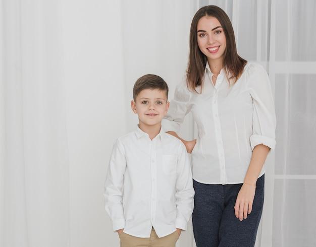 Portret van moeder trots op haar zoon