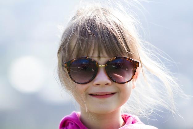 Portret van mooi meisje.