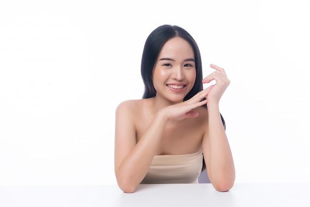Portret van mooie aziatische meisje