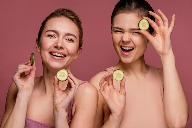 Portret van mooie vrouwen glimlachen