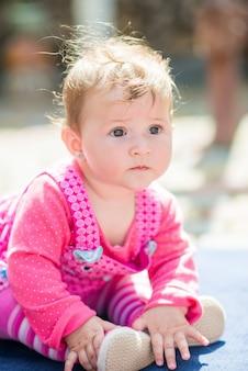 Portret van schattig babymeisje