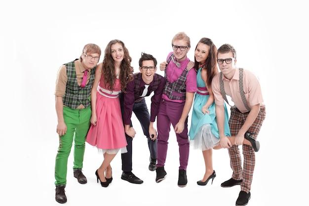 Portret van stijlvolle dance-pop band. geïsoleerd op een wit