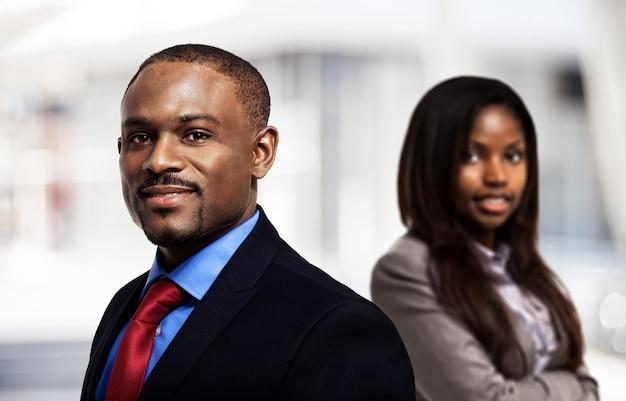 Portret van twee bedrijfspersonen