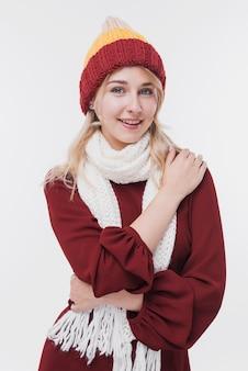 Portret van vrouw in de winterkleding