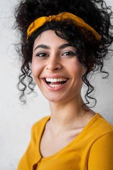 Portret van vrouw lachen