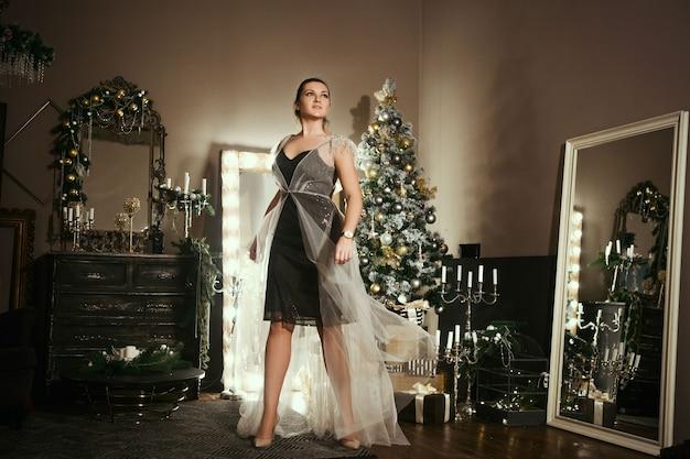 Portret vrouw draagt jurk