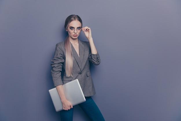 Portret vrouw met bril