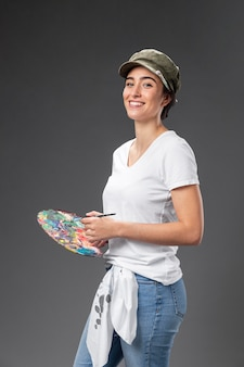 Portret vrouwelijke schilder artisti