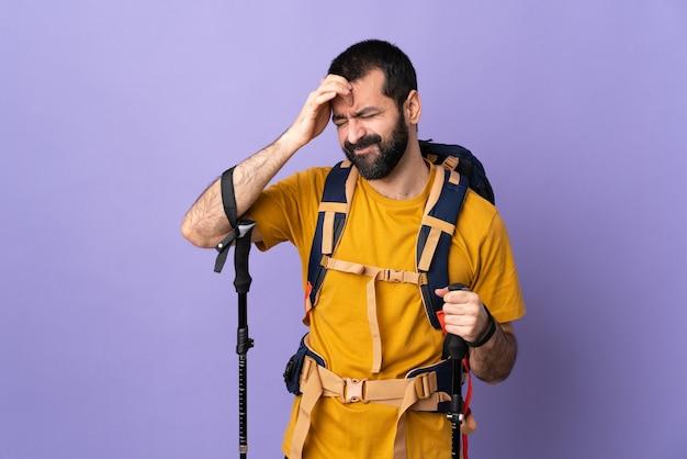 Portret wandelaar man met rugzak
