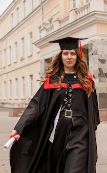 Portretmeisje bij afstuderen
