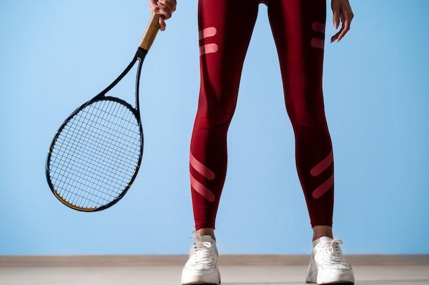 Portretten van een studiofoto van een sportmeisje