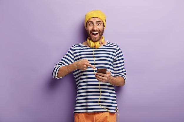 Positieve mannelijke punten in slimme telefoon