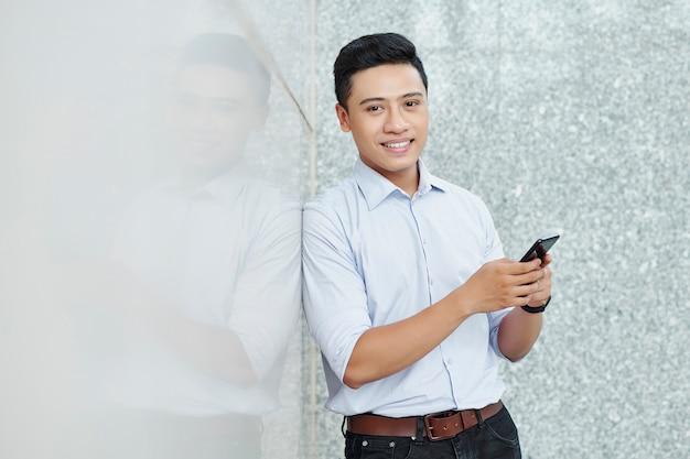 Positieve vietnamese ondernemer