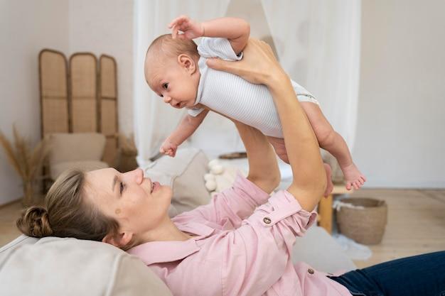 Postnatale periode met moeder en kind