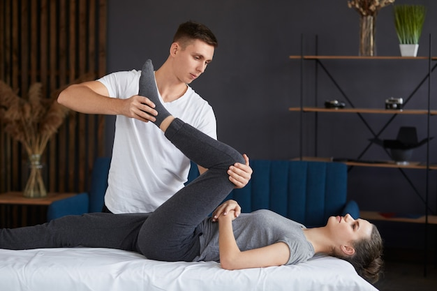 Posttraumatische revalidatie, sportfysiotherapie, herstelconcept.