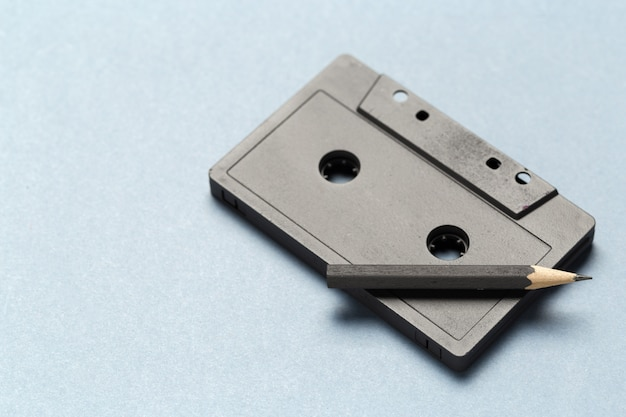 Potloodtool om de tapecassettes terug te spoelen