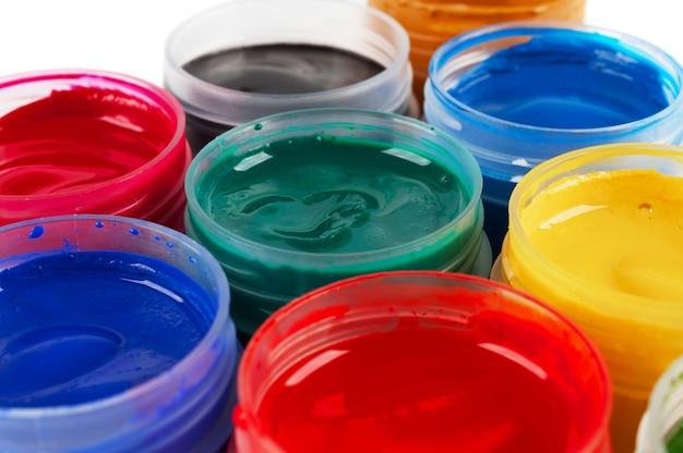 Potten met gekleurde gouache