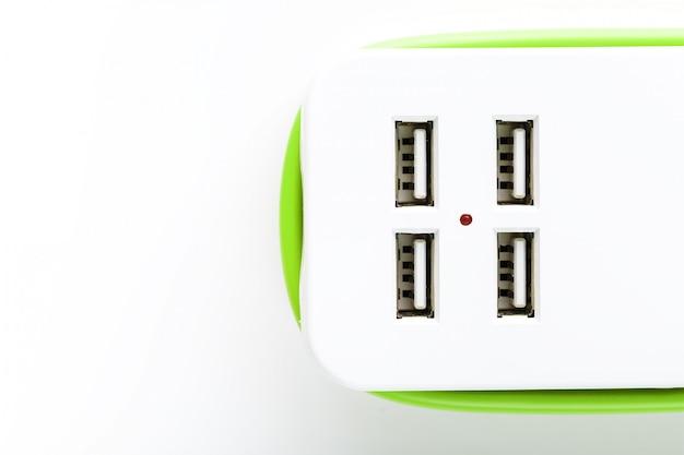 Power strip usb voor het opladen van gadgets en elektronische apparaten.