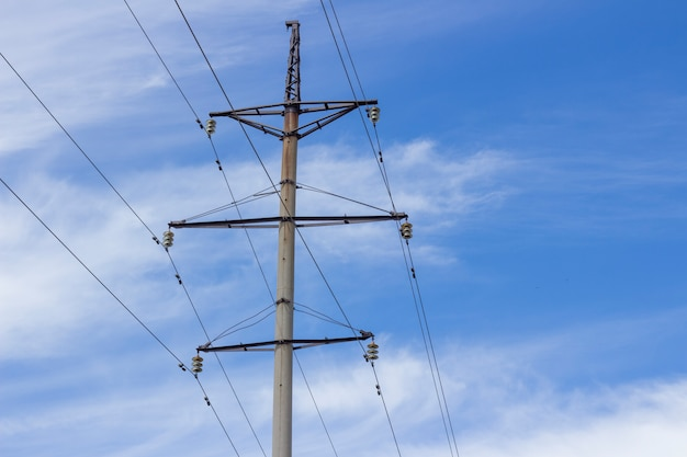 Power tower hoogspanningslijnen en hoogspanningsmasten