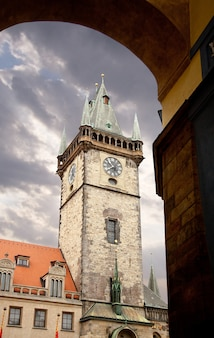 Praag, astronomische klokkentoren in de oude stad.