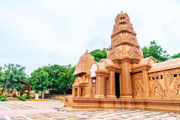 Prachtig architectuur in wat tham phu