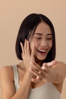 Prachtig aziatisch vrouwenmodelportret