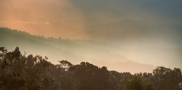 Prachtig bergenlandschap in costa rica, midden-amerika