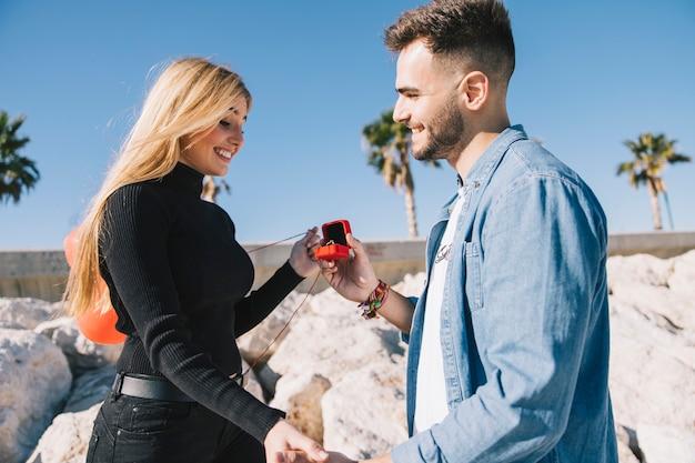 Prachtig paar verloofd