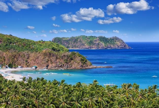 Prachtig schilderachtig uitzicht op zee baai en berg eilanden, palawan, filippijnen vakantie sereniteit prachtige tropische natuur
