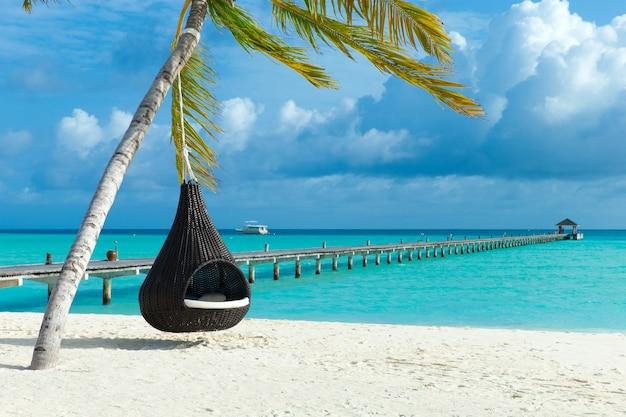 Prachtig strand en tropische zee. reizen landschap