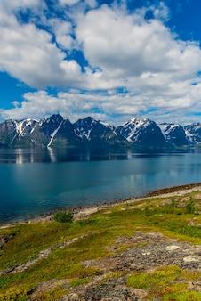 Prachtig uitzicht op de fjorden in noorwegen