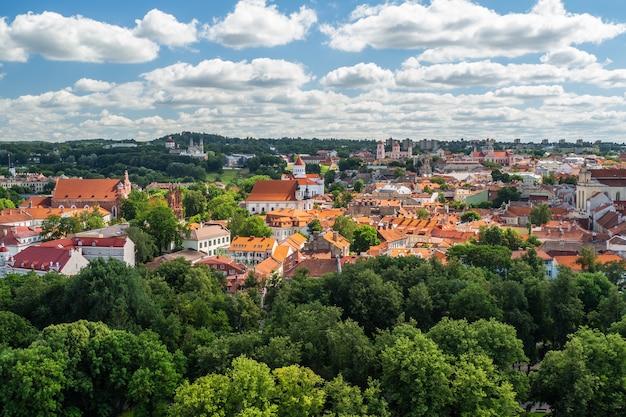 Prachtig uitzicht op de oude stad van vilnius
