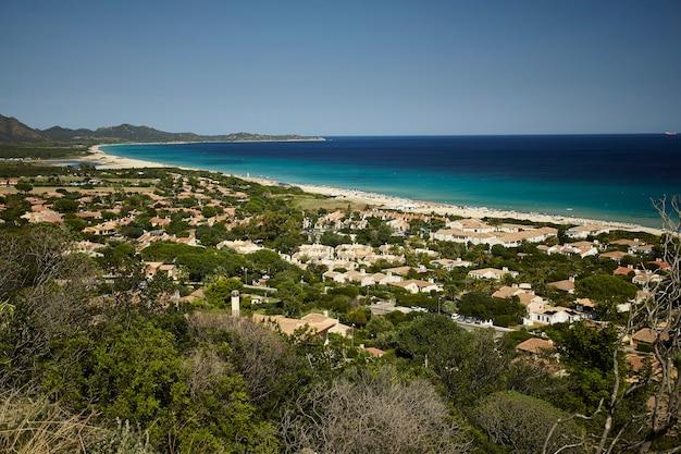 Prachtig uitzicht op het dorp costa rei