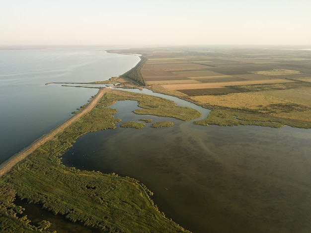 Prachtig uitzicht op tuzly estuary national nature park
