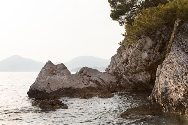 Prachtig uitzicht op zee in montenegro