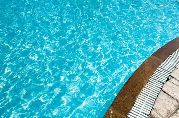 Prachtig zwembad in hotel