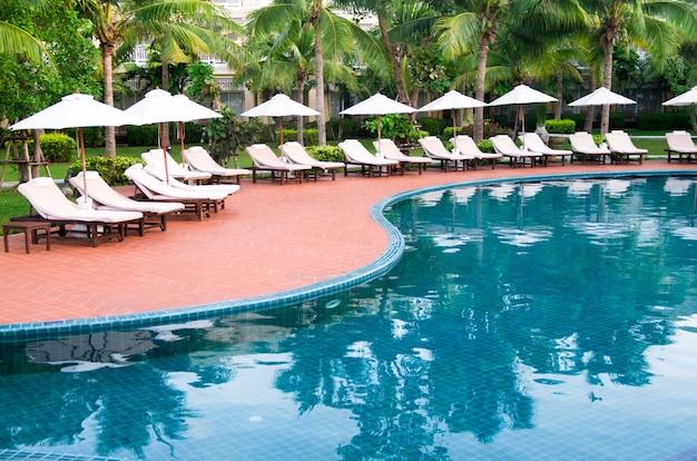 Prachtig zwembad in thailand