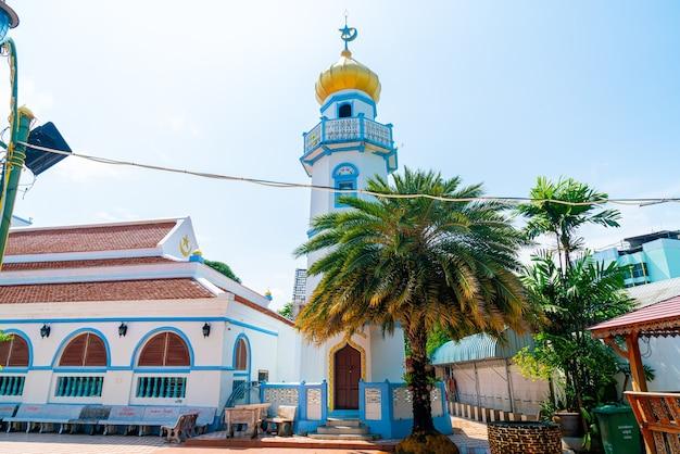 Prachtige architectuur bij musjid asassul islam in songkla, thailand